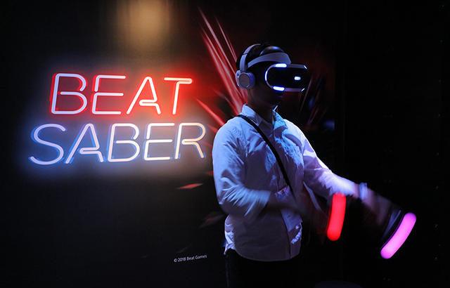 PSVR版『Beat Saber(ビートセイバー)』が欧州などで発売、価格は29.99ユーロ。日本は「少し後、今取り組んでいます」と回答